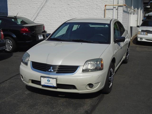 2007 Mitsubishi Galant ES photo