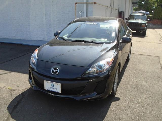 2012 Mazda Mazda3 i Touring photo