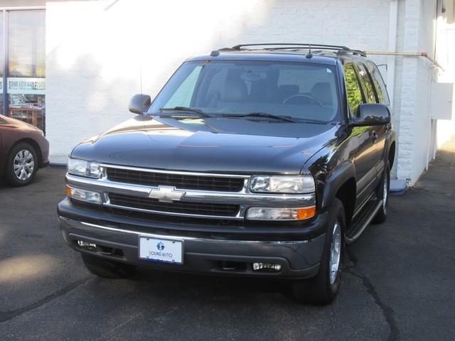 2004 Chevrolet Tahoe LS photo