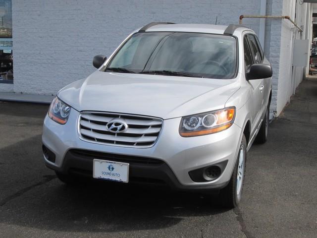 2011 Hyundai Santa Fe GLS photo