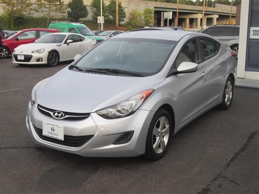 2011 Hyundai Elantra GLS photo