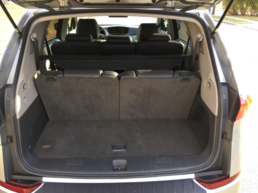 Used Subaru B9 Tribeca AWD 4dr 7-Pass Ltd w/DVD/Navi 2007 | Carmoney Auto Sales. Baldwin, New York