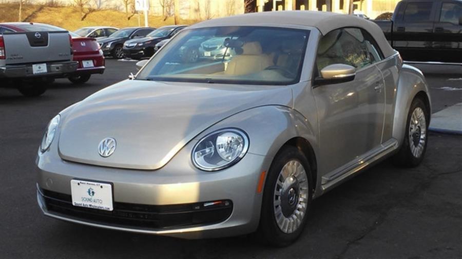 2013 Volkswagen Beetle 2.5 PZEV photo