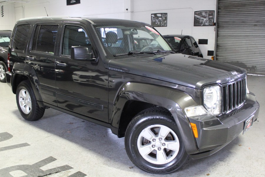 Used Jeep Liberty 4WD 4dr Sport 2011   Car Tec Enterprise Leasing & Sales LLC. Deer Park, New York