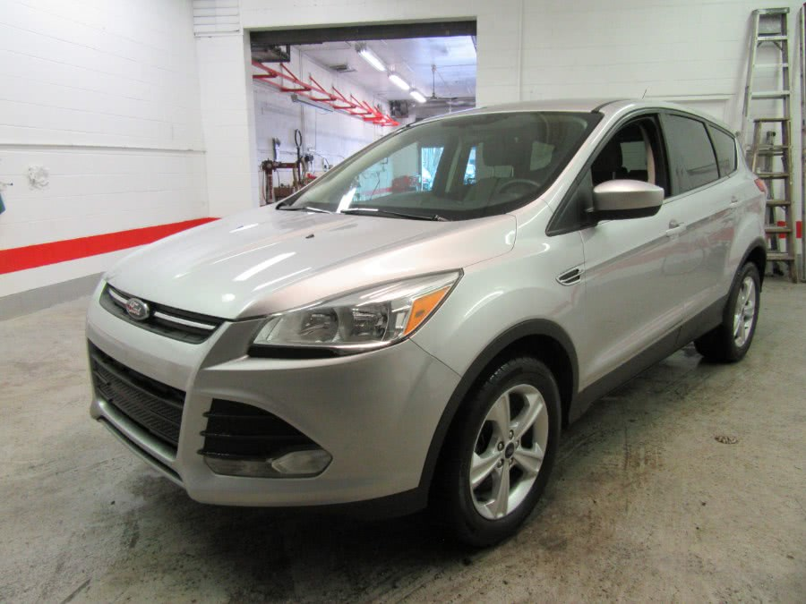 Used Ford Escape FWD 4dr SE 2015 | Victoria Preowned Autos Inc. Little Ferry, New Jersey