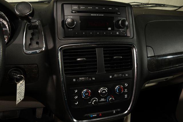 2015 Dodge Grand Caravan SXT photo