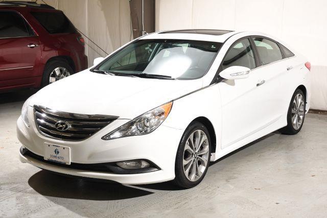 The 2014 Hyundai Sonata Limited photos