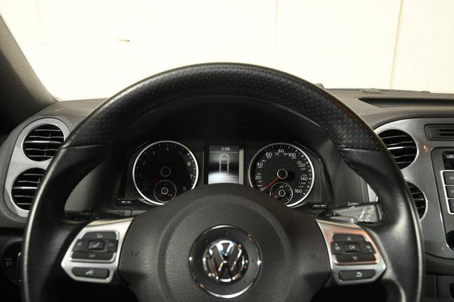 2015 Volkswagen Tiguan R-Line photo