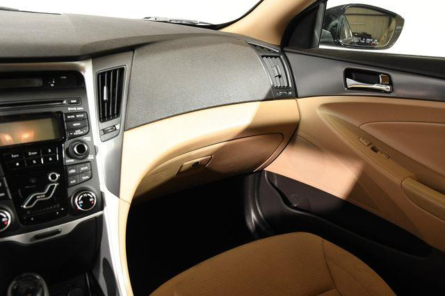 2012 Hyundai Sonata Hybrid photo