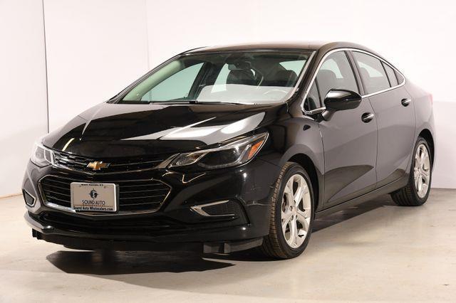 The 2016 Chevrolet Cruze Premier photos