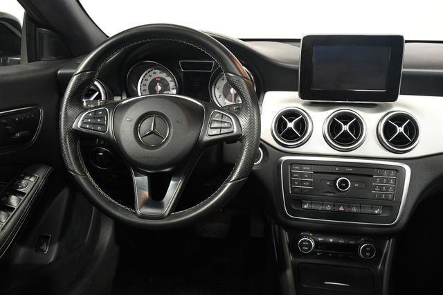 2015 Mercedes-Benz CLA 250 LEATHER photo