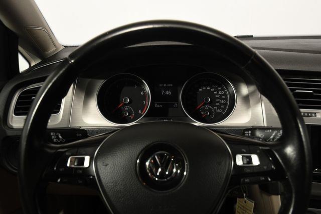 2015 Volkswagen Golf TSI S photo