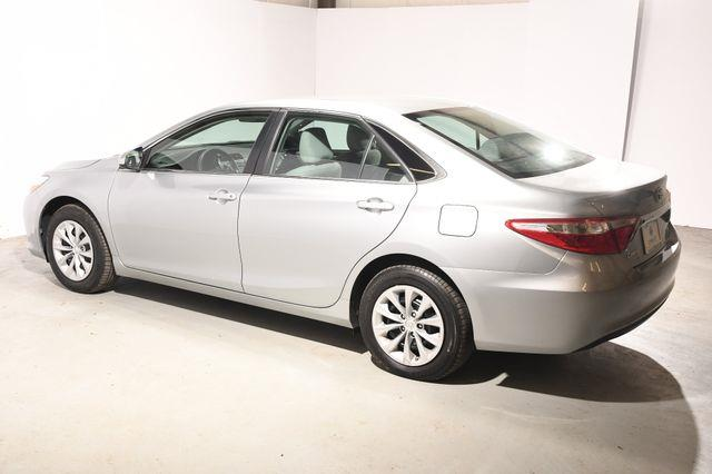 2015 Toyota Camry LE photo