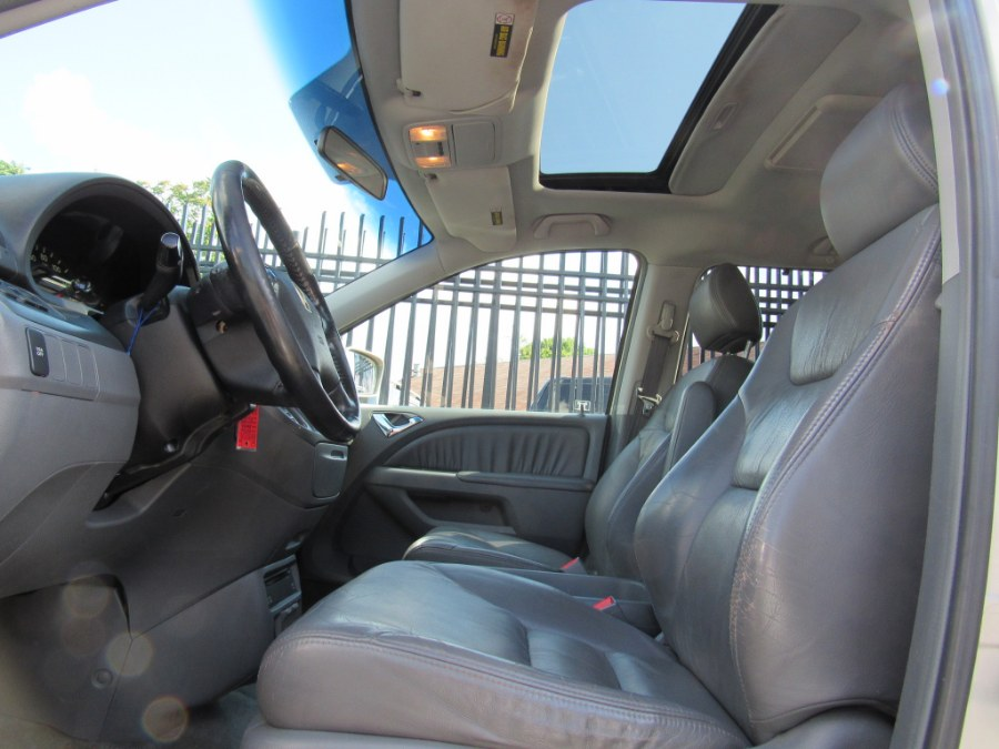 Used Honda Odyssey 5dr EX-L AT with RES 2006   MFG Prestige Auto Group. Paterson, New Jersey