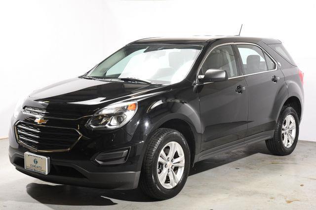 The 2016 Chevrolet Equinox LS photos