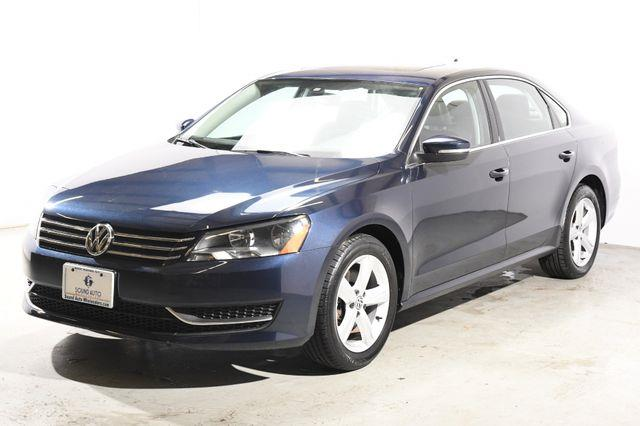 The 2013 Volkswagen Passat SE PZEV photos