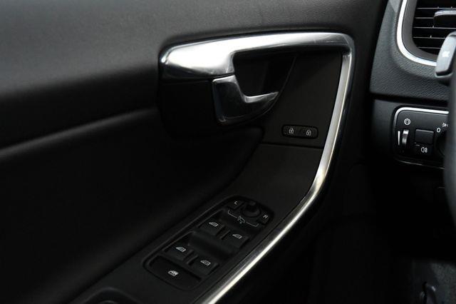 2017 Volvo V60 Premier photo