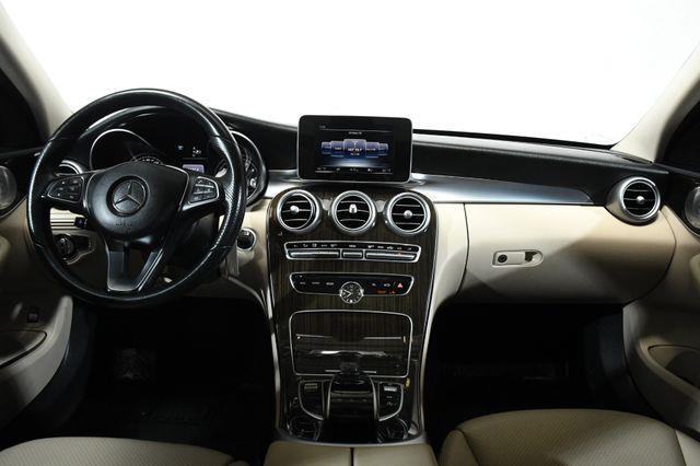2015 Mercedes-Benz C 300 Luxury photo