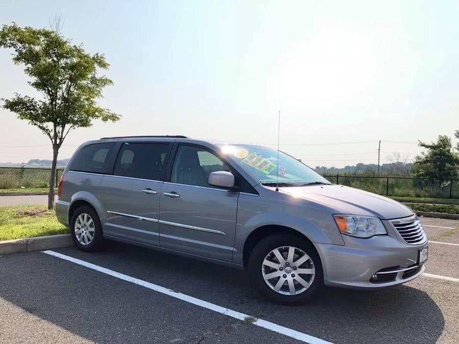 Used Chrysler Town & Country 4dr Wgn Touring 2015   Sena Motors Inc. Revere, Massachusetts