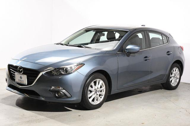 The 2015 Mazda Mazda3 i Touring photos