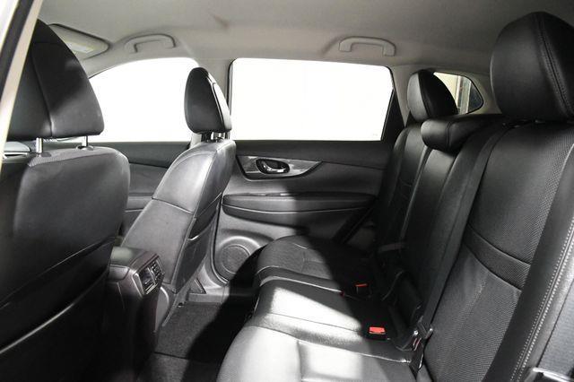 2015 Nissan Rogue SL photo