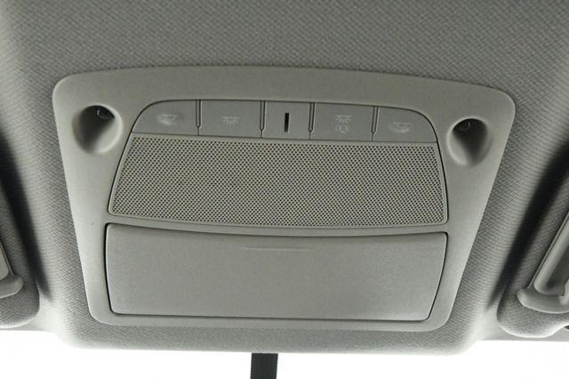2016 Nissan Sentra SR photo