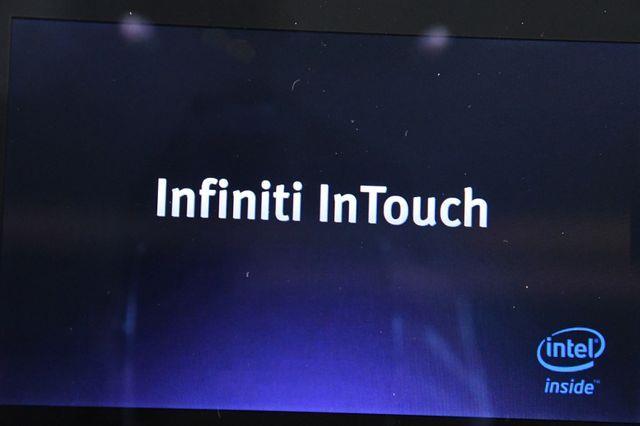 2015 Infiniti Q50 Premium photo