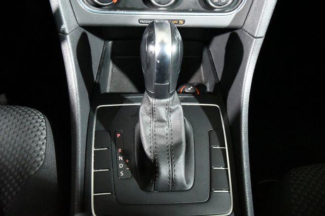 2013 Volkswagen Passat S PZEV photo