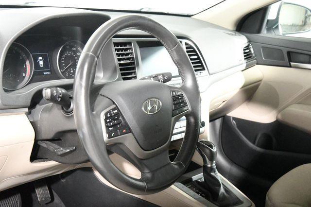 2017 Hyundai Elantra SE w/ Technology photo