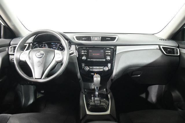 2015 Nissan Rogue SV photo