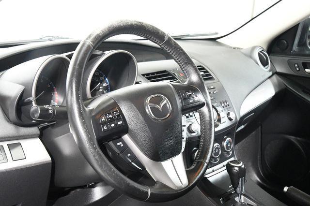 2013 Mazda Mazda3 i Touring photo