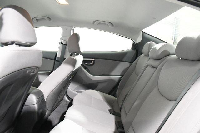 2016 Hyundai Elantra SE photo