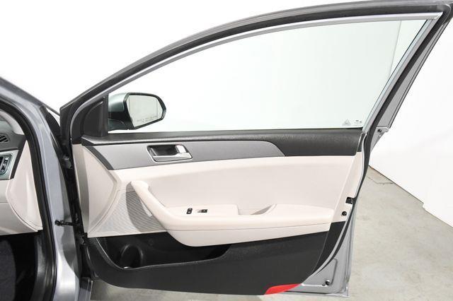 2016 Hyundai Sonata 2.4L SE photo