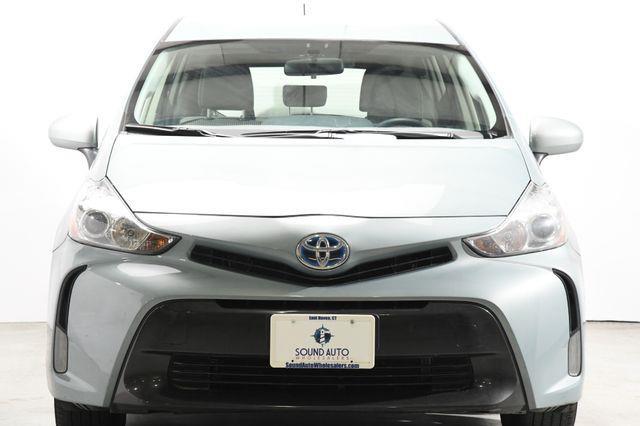 2015 Toyota Prius v Three photo