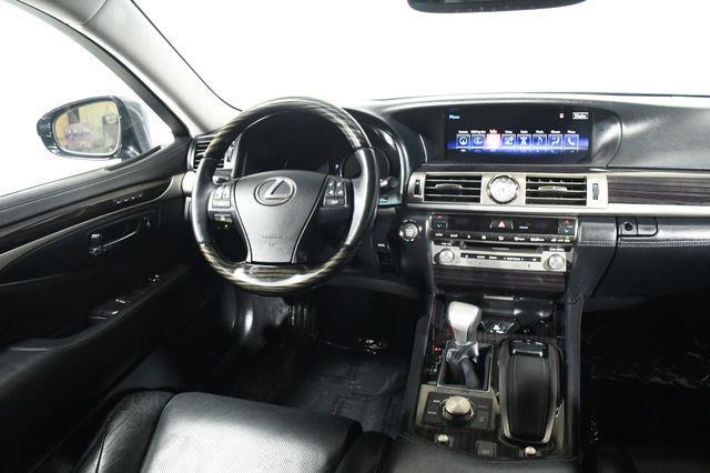 2015 Lexus LS 460 photo