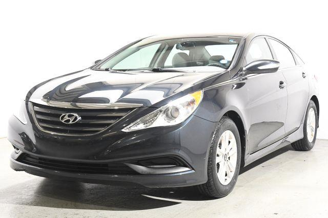 The 2014 Hyundai Sonata GLS photos