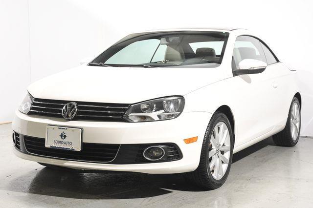 The 2013 Volkswagen Eos Komfort SULEV photos