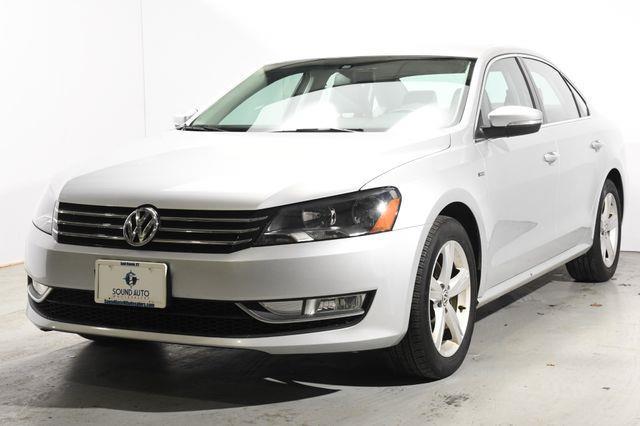 The 2015 Volkswagen Passat 1.8T Limited Edition photos