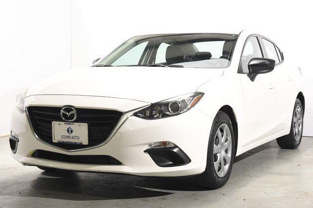 The 2014 Mazda Mazda3 i SV photos
