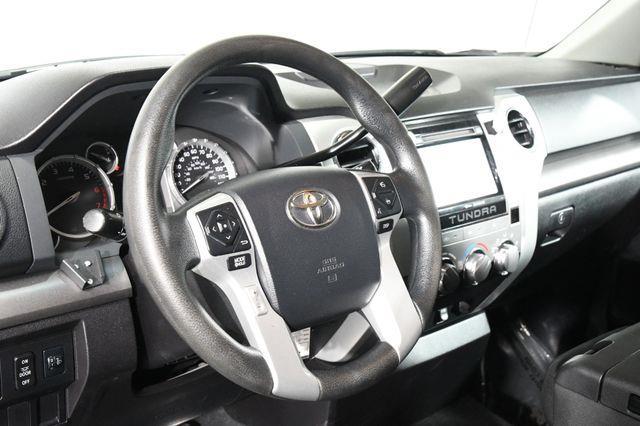 2015 Toyota Tundra SR5 photo