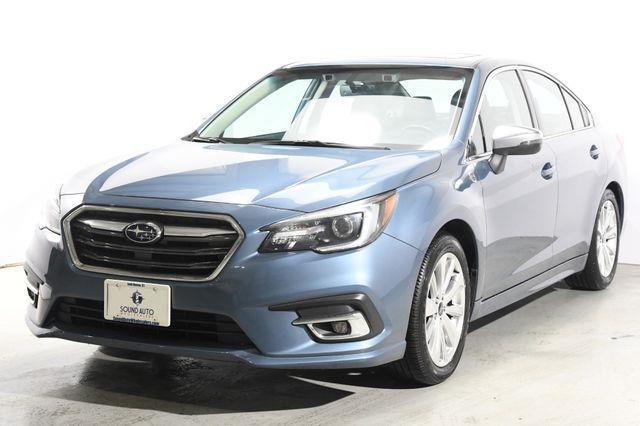 The 2018 Subaru Legacy Limited photos