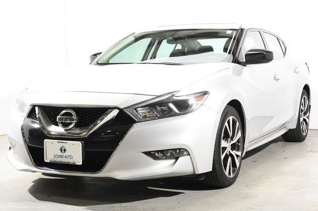 The 2016 Nissan Maxima 3.5 S photos