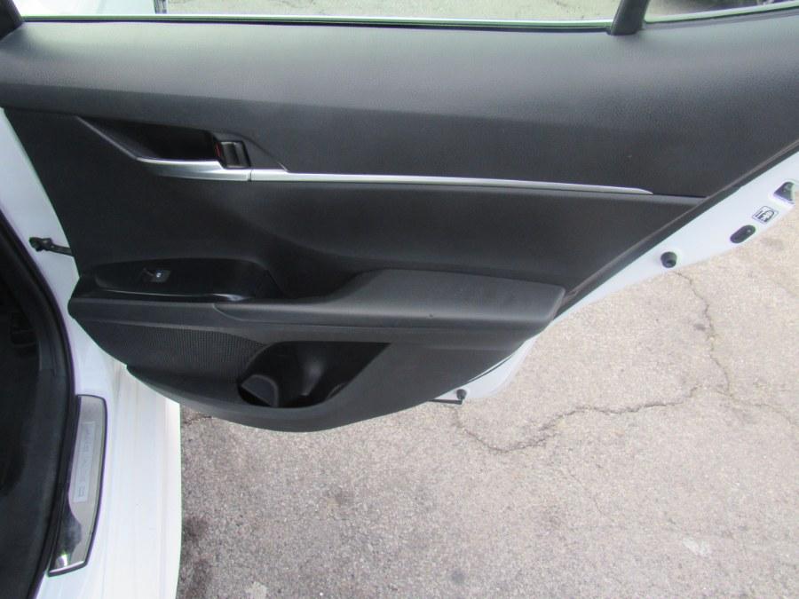 Used Toyota Camry SE Auto (Natl) 2018 | Hilario's Auto Sales Inc.. Worcester, Massachusetts