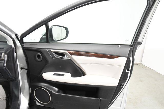 2016 Lexus RX age photo