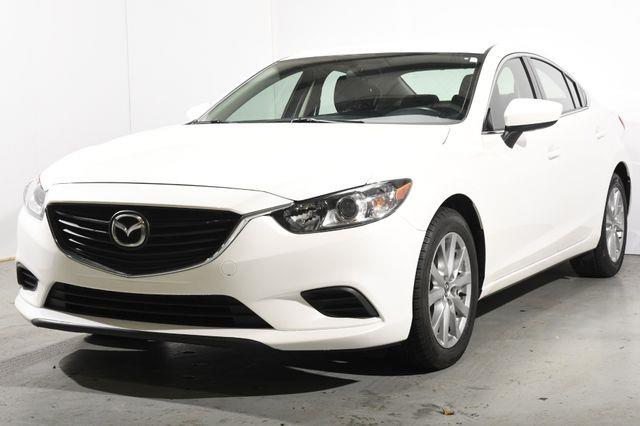 The 2015 Mazda Mazda6 i Sport photos