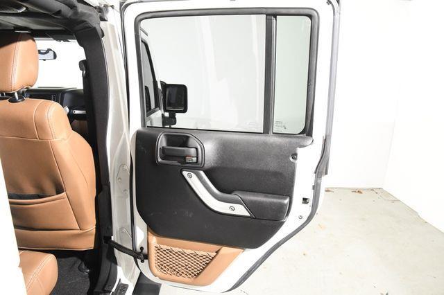 2012 Jeep Wrangler Unlimited Sahara photo