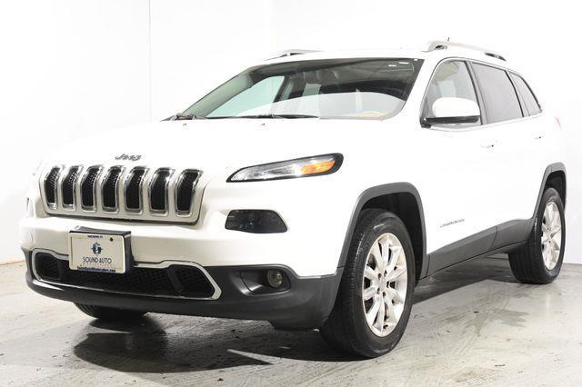 The 2015 Jeep Cherokee Limited Nav & Sunroof photos