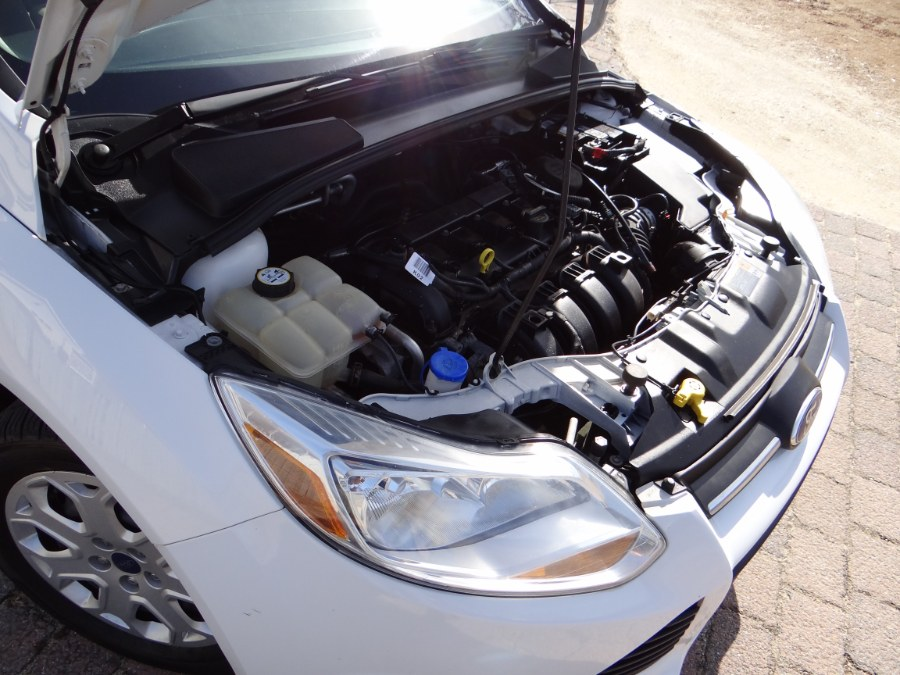 Used Ford Focus 4dr Sdn SE 2012   SGM Auto Sales. West Babylon, New York