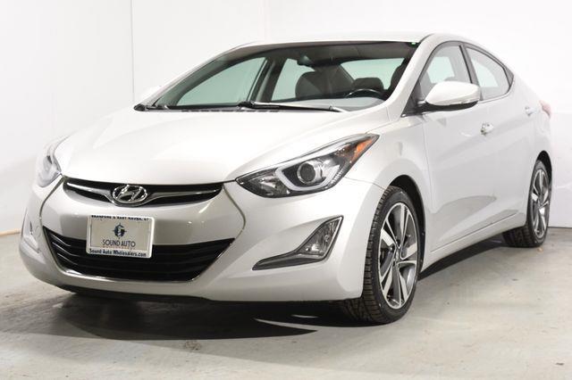 The 2015 Hyundai Elantra Limited photos