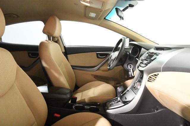 2013 Hyundai Elantra GLS photo